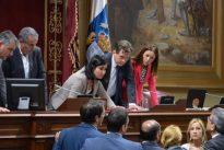 PSOE, PP y NC crean un gobierno en la sombra a Coalición Canaria