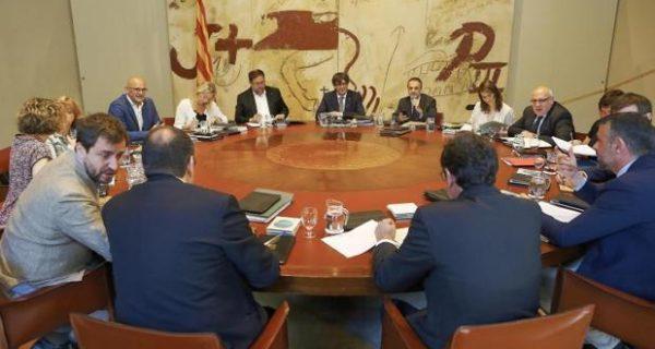 Puigdemont nombra como director del Gabinete Jurídico de la Generalitat a un investigado por la Fiscalía
