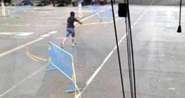 Condenan a dos atacantes de un autocar de SCC con una multa de 5.000 euros