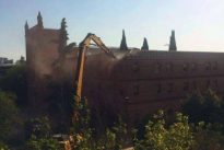 Cifuentes paraliza el derribo de un convento que autorizó el Ayuntamiento