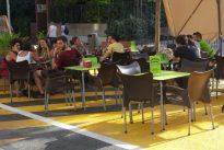 Las terrazas de los bares invaden la zona que Carmena peatonalizó para los vecinos de Galileo