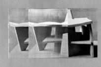 В«Apuntes sobre topología escultórica #1В».Dialécticas de las superficies planas de Clara Sánchez Sala