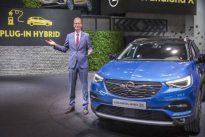 Opel apuesta por los híbridos enchufables con el Grandland X
