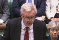 Davis advierte que rechazar la ley de retirada de la UE supondría apoyar un Brexit «caótico»