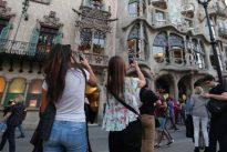 Barcelona quiere que el turista pague más en el transporte público
