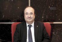Iceta: «Es muy fuerte que Junqueras esté en prisión, y Puigdemont en la ópera»