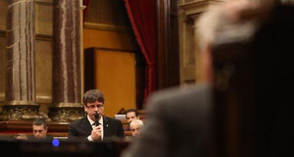 La fórmula propuesta por Puigdemont para la investidura: por escrito y en el último momento