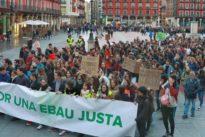 Más de 2.500 estudiantes se manifiestan de Castilla y León por una EBAU única