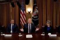 Trump pide a sus asesores comerciales que estudien la posibilidad de volver al TPP