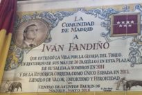 Un azulejo inmortaliza en Las Ventas a Iván Fandiño, el héroe que «entregó la vida por la gloria del toreo»