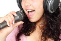 Le prohíben cantar en su casa durante 24 meses tras ser denunciada por los vecinos
