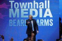 Trump apoya al «lobby» de las armas a dos meses del tiroteo de Parkland