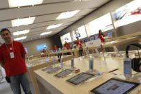 Roban en la tienda de Apple de Valencia por el método del alunizaje