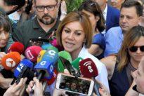 Cospedal gana las primarias en Galicia
