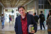 Luis García Montero: «No me voy a dedicar a colocar a amigos por el mundo»