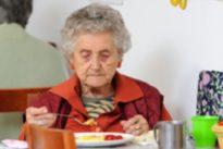 Comer solo puede causar infelicidad