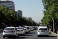 La huelga de taxis en directo: los taxistas bloquean el Paseo de la Castellana