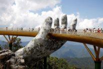 Dos enormes «manos de Dios» sostienen el nuevo puente que querrás ver
