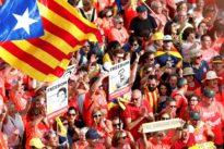 Los CDR boicotean una manifestación en favor del castellano en Cataluña