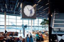 El reloj del aeropuerto de Ámsterdam que no es lo que parece