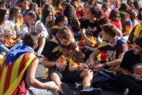 Centenares de estudiantes se manifiestan en Barcelona para «validar» el resultado del 1-O