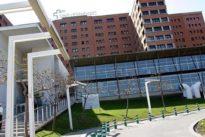 Muere un bebé que cayó accidentalmente desde un quinto piso en Barcelona