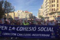 Miles de valencianos y aragoneses piden «no perder el tren» del Corredor Cantábrico-Mediterráneo