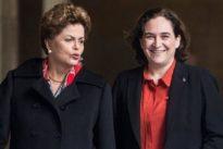 Colau condena a Bolsonaro desde el Ayuntamiento de Barcelona