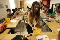 Animadversión a lo español: Cataluña fomenta las raíces de los alumnos extranjeros salvo las de los latinos