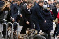 Macron abre consultas antes de responder a los chalecos amarillos