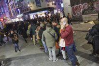 Rebelión comercial contra los semáforos peatonales y las colas de Doña Manolita