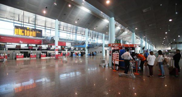 Los aeropuertos gallegos superaron por primera vez los cinco millones de pasajeros al año