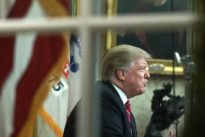 Trump denuncia una crisis humanitaria en la frontera de EE.UU. para construir el muro