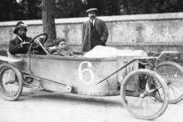 Bédélia: El híbrido entre motocicleta y coche que popularizó la automoción en el siglo XX
