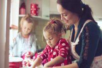 Lo que los niños pueden hacer en la cocina según su edad