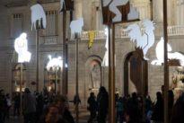 Barcelona investiga la colocación de lazos amarillos en edificios públicos