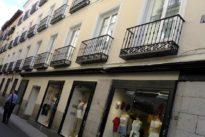 Los misterios que oculta la pequeña calle de Hernán Cortés en Madrid