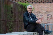 La Generalitat suspende diez meses de empleo y sueldo a un profesor por oponerse al adoctrinamiento