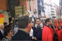 «Cucusclaneros y meapilas», entre los insultos que recibieron cofrades de Valladolid al cruzarse con un acto republicano