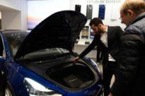 Investigan si un coche autopilotado Tesla causó un accidente con dos heridos en Pontevedra