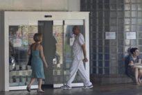 Detienen a un anciano por abusar sexualmente de su cuñada impedida en la cama de un hospital