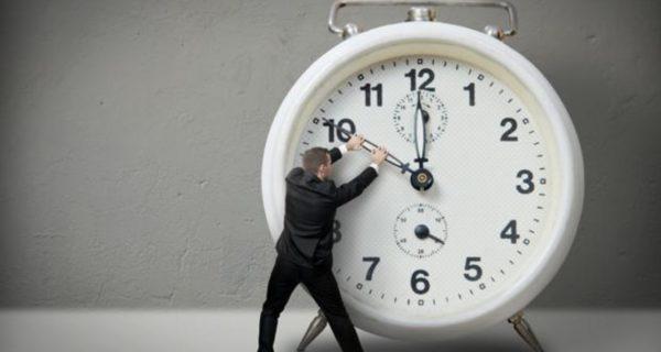 Las empresas apuntan desde hoy la entrada y salida del trabajo ¿cómo le afecta?