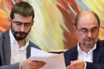 Lambán gobernará Aragón con Podemos, los liberales del PAR y los nacionalistas de Chunta