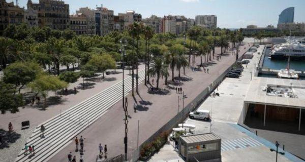 Operación policial contra el top manta en el centro de Barcelona
