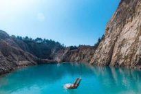 El lago tóxico español que está de moda en Instagram