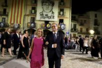 El último disparate folclórico de Quim Torra: nombra a Carles Puigdemont «alcalde mayor de Cataluña»