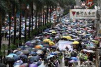 La gran manifestación de Hong Kong desafía la prohibición policial e inunda el centro