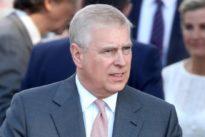 El Príncipe Andrés acogió a Jeffrey Epstein y a una modelo en Balmoral mientras estaba la Reina Isabel II