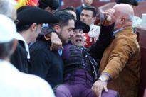 El banderillero Caco Ramos sufre una grave cornada de 20 centímetros en Las Ventas