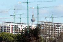 Los promotores avisan de la escasez de vivienda pública en la región
